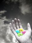 """Qualité d'écoute, questionnement percutant et efficace, des outils du coach parmi d'autres. Image """"Puzzle à disposition"""" source dreamstime"""